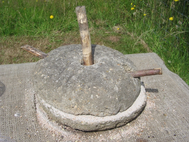 Heavy stones for milling grains