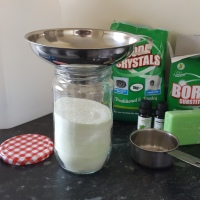 5 minute washing powder to save you money!
